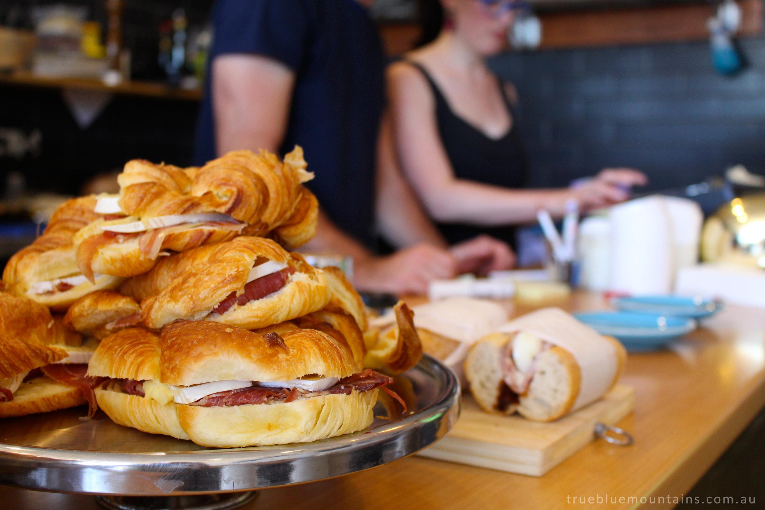 Cortado-croissant